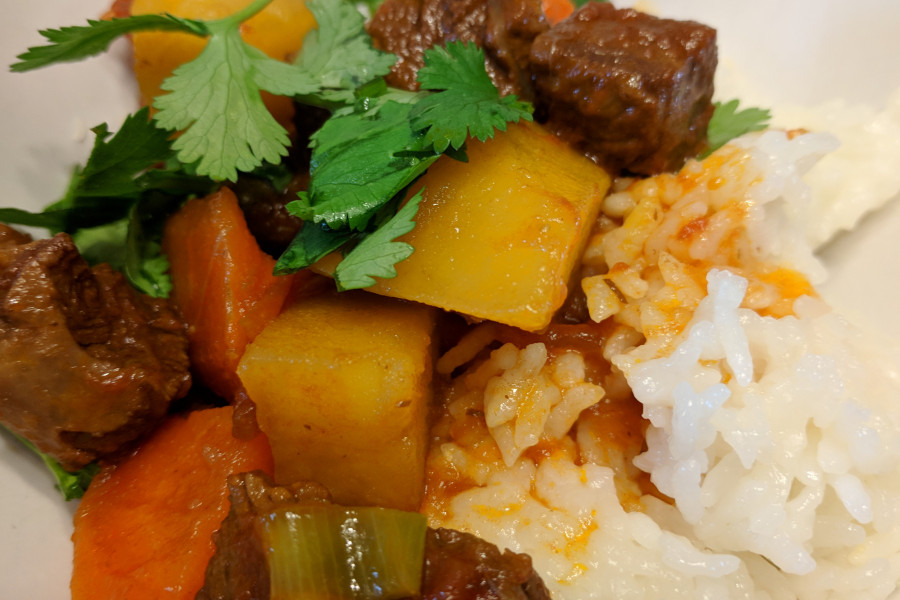 Chinese cuisine submitted by Prof. Jingjing Lou: Beef stew with rice