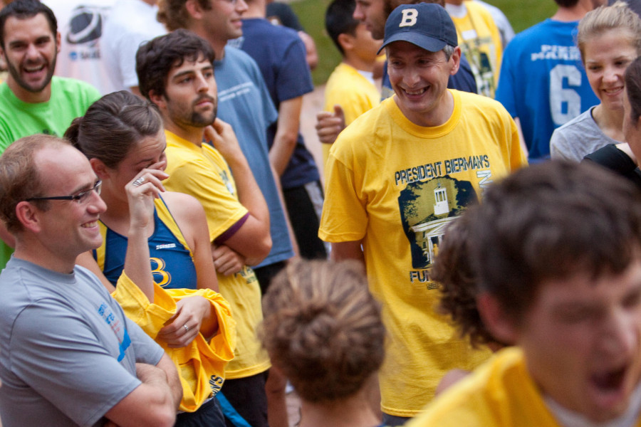 President Scott Bierman meeting with students at Fun Run event