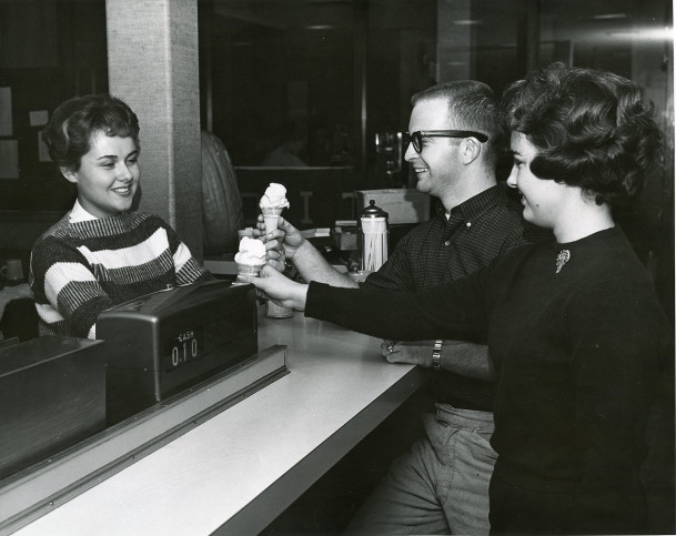 Students buying ice cream at the Student Union at Smith.