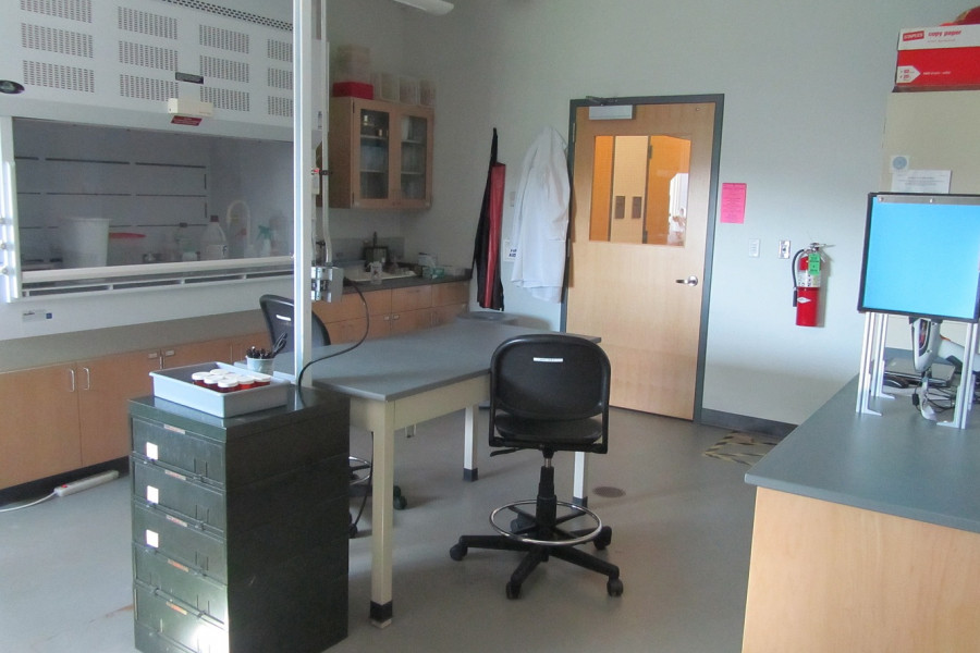 One of the research labs used by geology faculty and students.